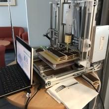Příběhy z ústavů:  3D tisk vyrobí letadlo i ozdobí dort